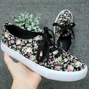 Hot Topic Black Floral Canvas Sneakers
